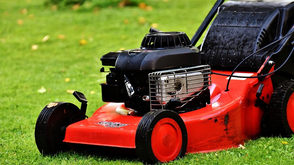 Are cordless lawn mowers worth buying featured